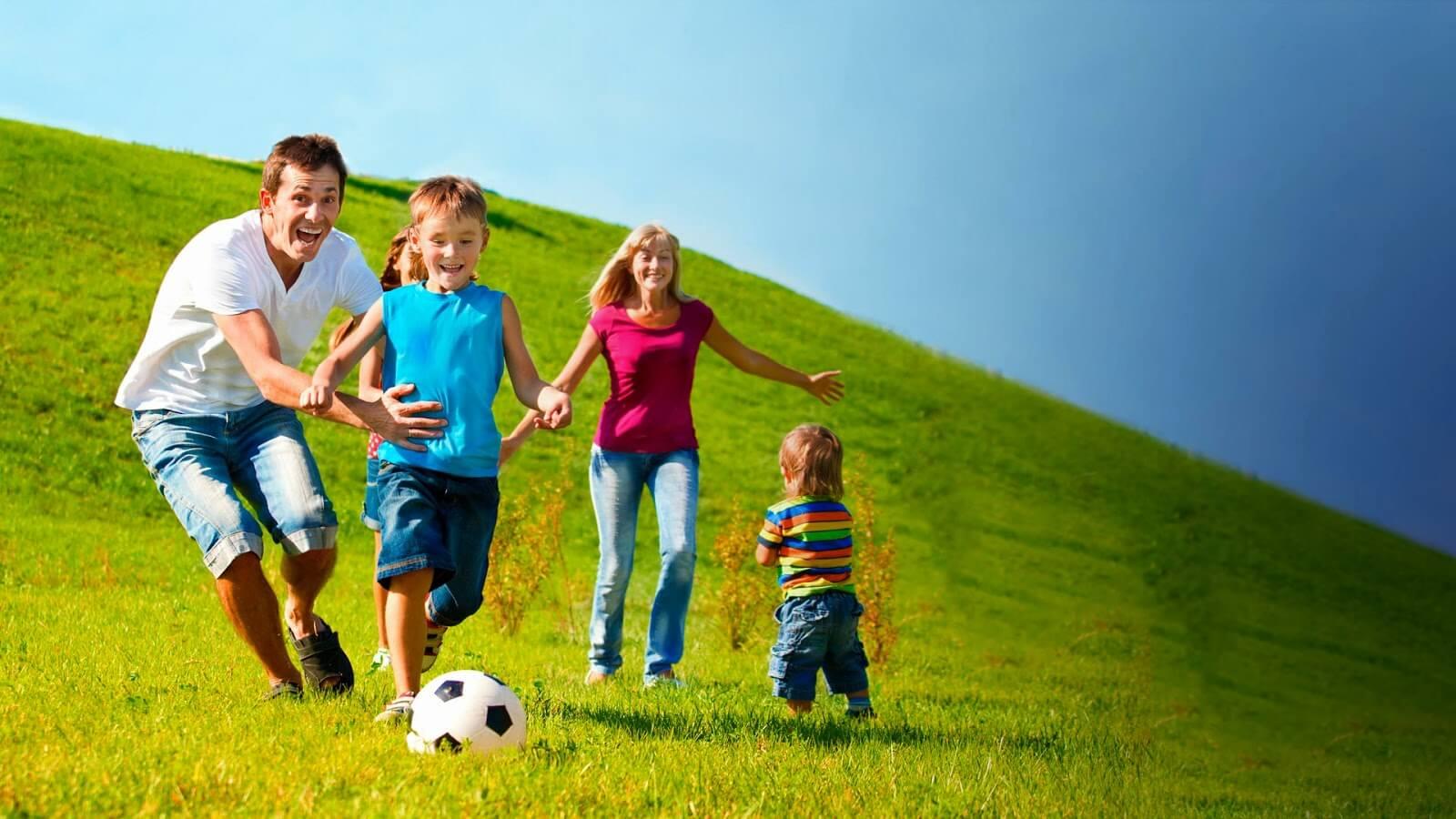 کودکان؛ حلقه رابط متخصصان، اعضای خانواده و جامعه